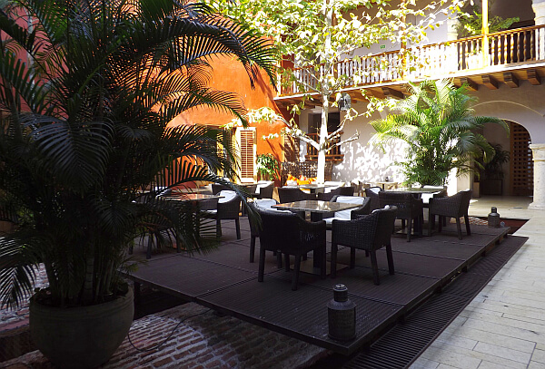 Hotel Boutique Ananda courtyard