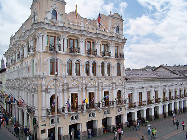 Boutique hotel plaza grande quito ecuador for Hotel luxury quito