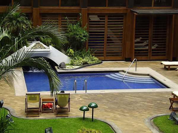 Swissotel Quito pool