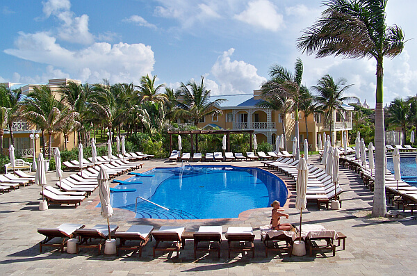 Royal Hideaway Playacar pool
