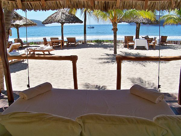 Tides Zihuatanejo room
