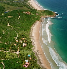 Las Alamandas Resort coastline