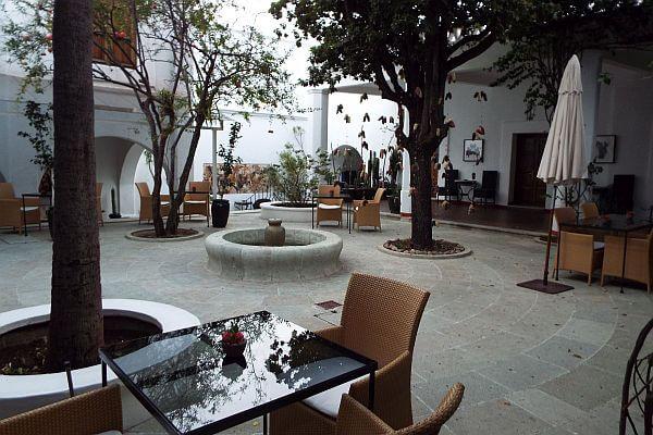 Casa oaxaca hotel oaxaca city culinary hotel mexico for Casas con patio interior