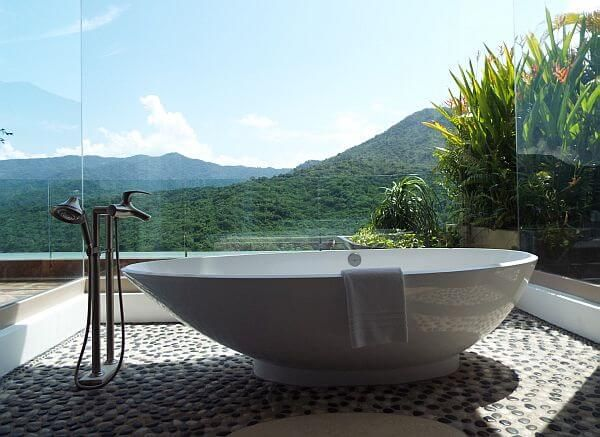 Garza Blanca penthouse bathroom