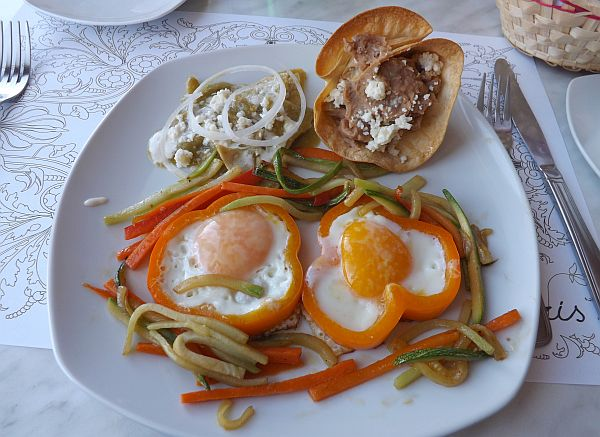 breakfast in Mexico's egg capital
