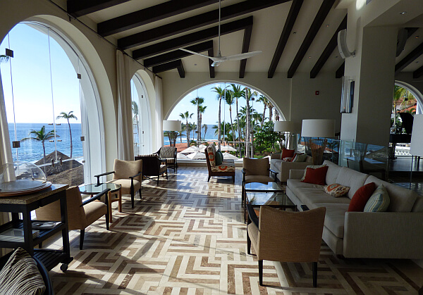 one and only palmilla lounge