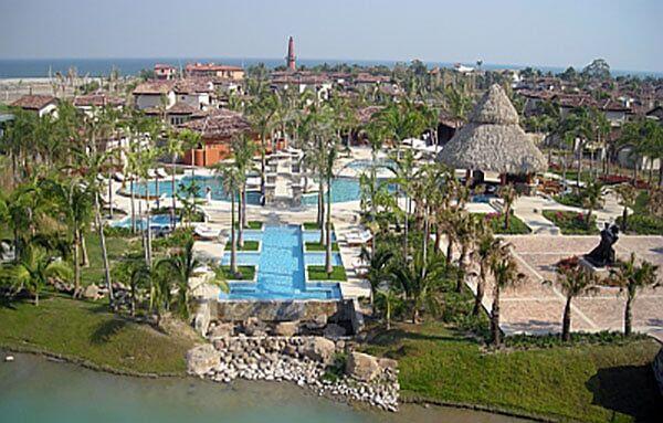Jw Marriott Beach And Golf Resort At Buenaventura