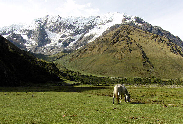 mountain lodges Peru trek