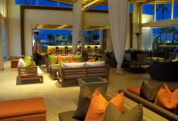 Paracas luxury hotel lounge